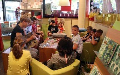 Welttag des Buches – Klasse 4 der Grundschule zu Besuch